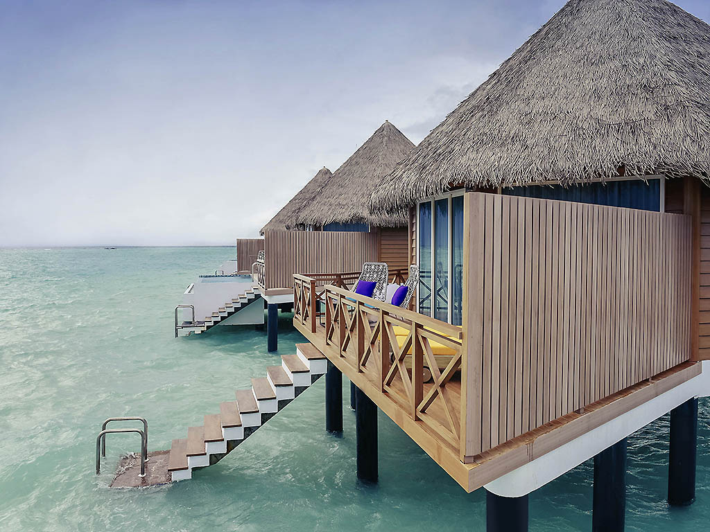 Mercure Maldives Kooddoo Resort 5*