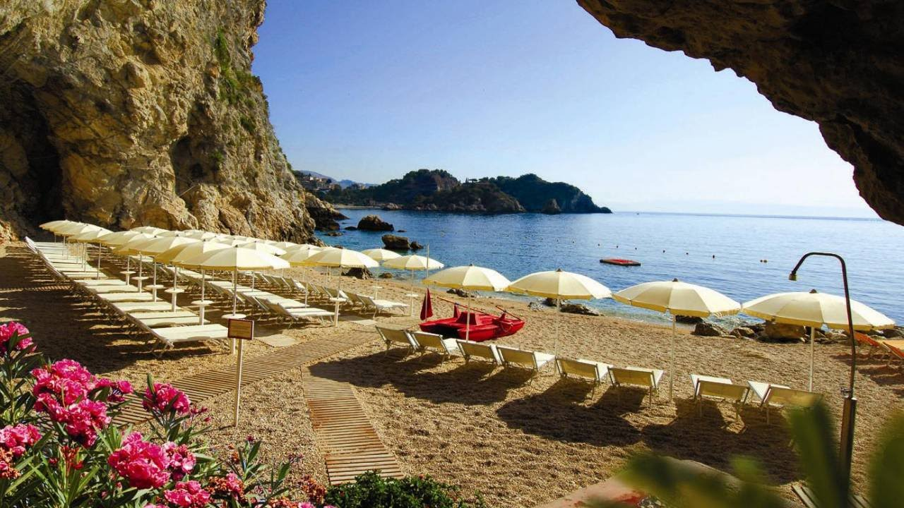 Atahotels Capotaormina Resort 4*